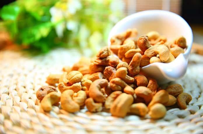 Mélanges de différentes noix bio hecosfair